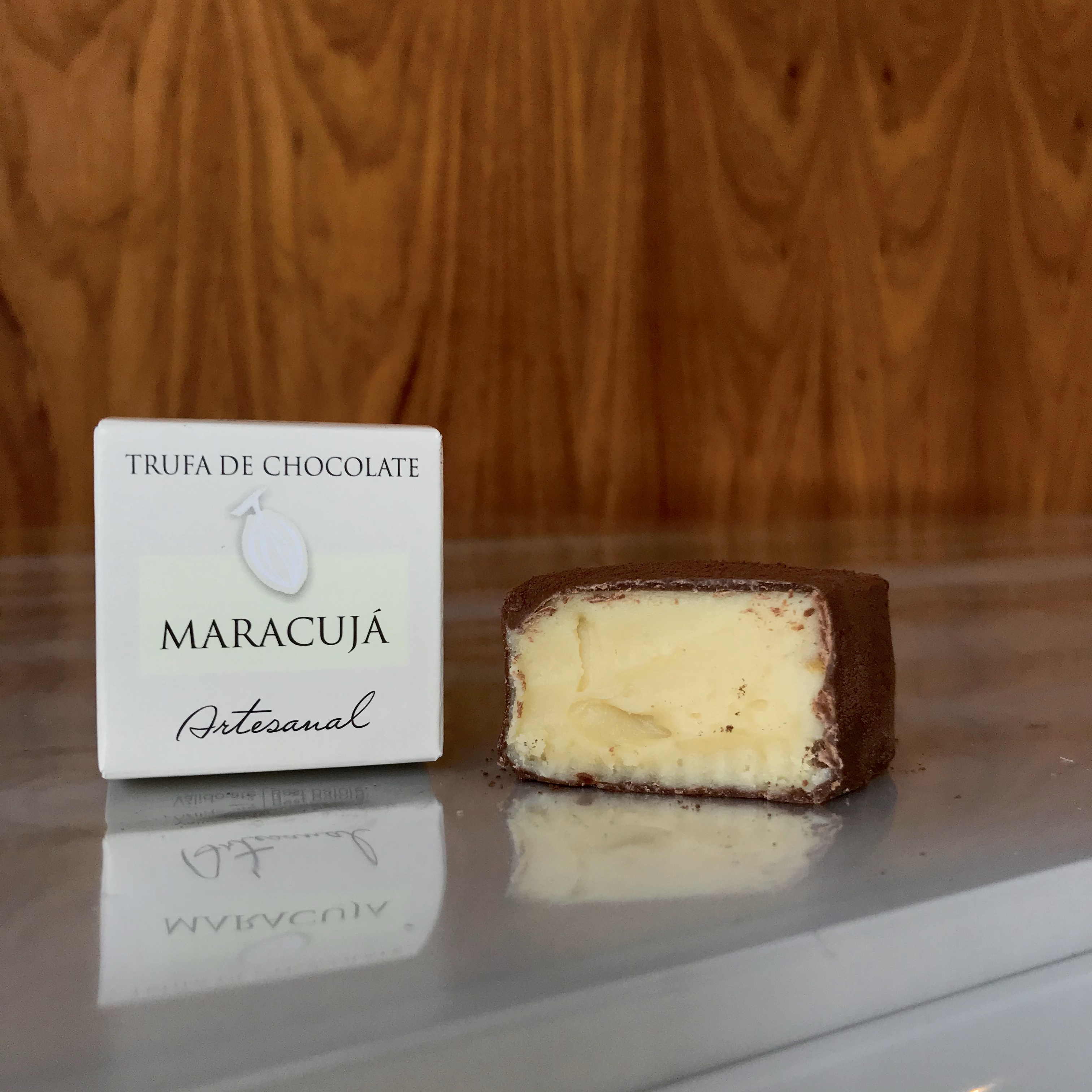 Trufa de Chocolate com recheio de Maracujá- Artesanal- Beneditos- 32 g