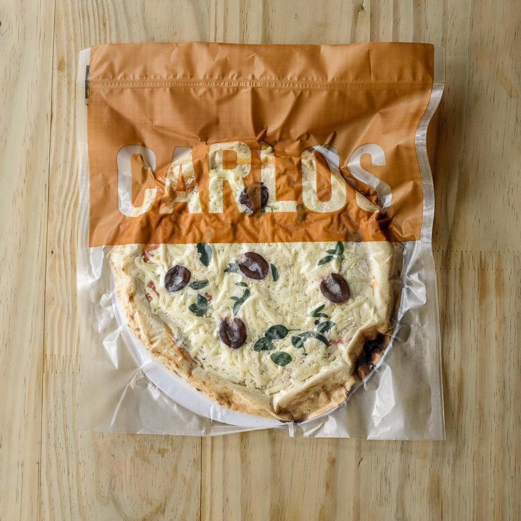 Pizza de Muçarela da Carlos Pizza, premiada pizzaria de São Paulo, com Massa de Levain de farinha italiana e tomates orgânicos - 330g