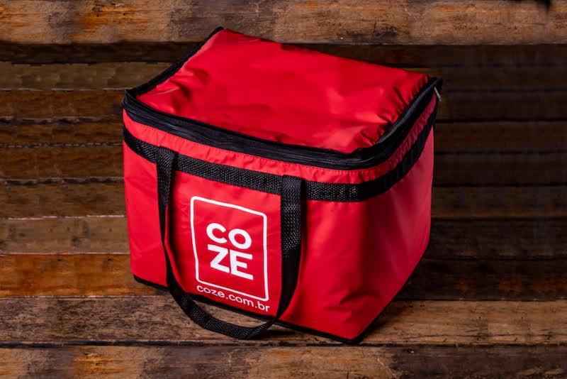 Bolsa térmica Coze de 24 litros, comporta 15 refeições completas