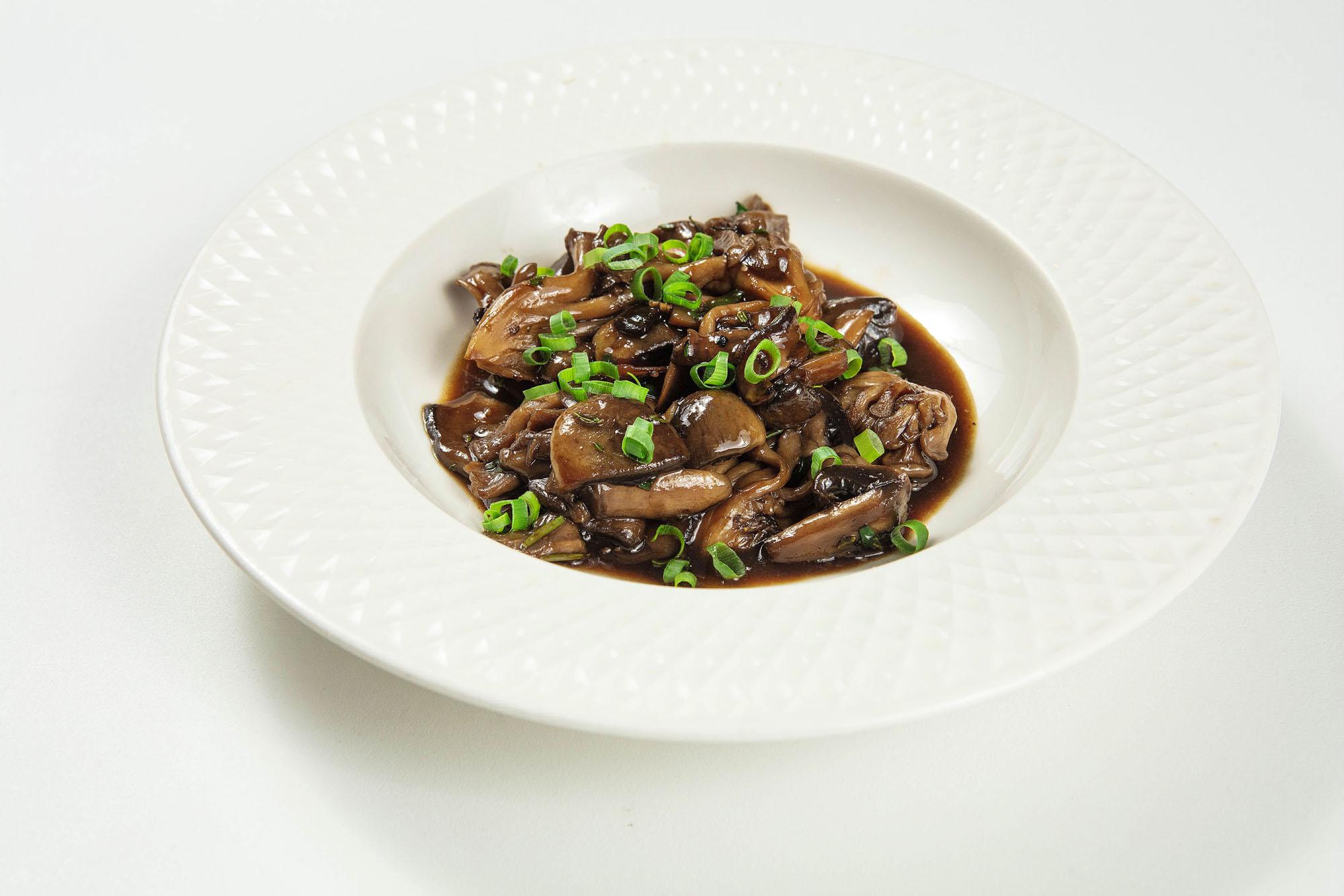 Cogumelos glaceados com ervas frescas (140gr)
