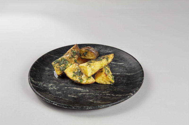 Batata assada com ervas e especiarias para até 3 pessoas - 300 g