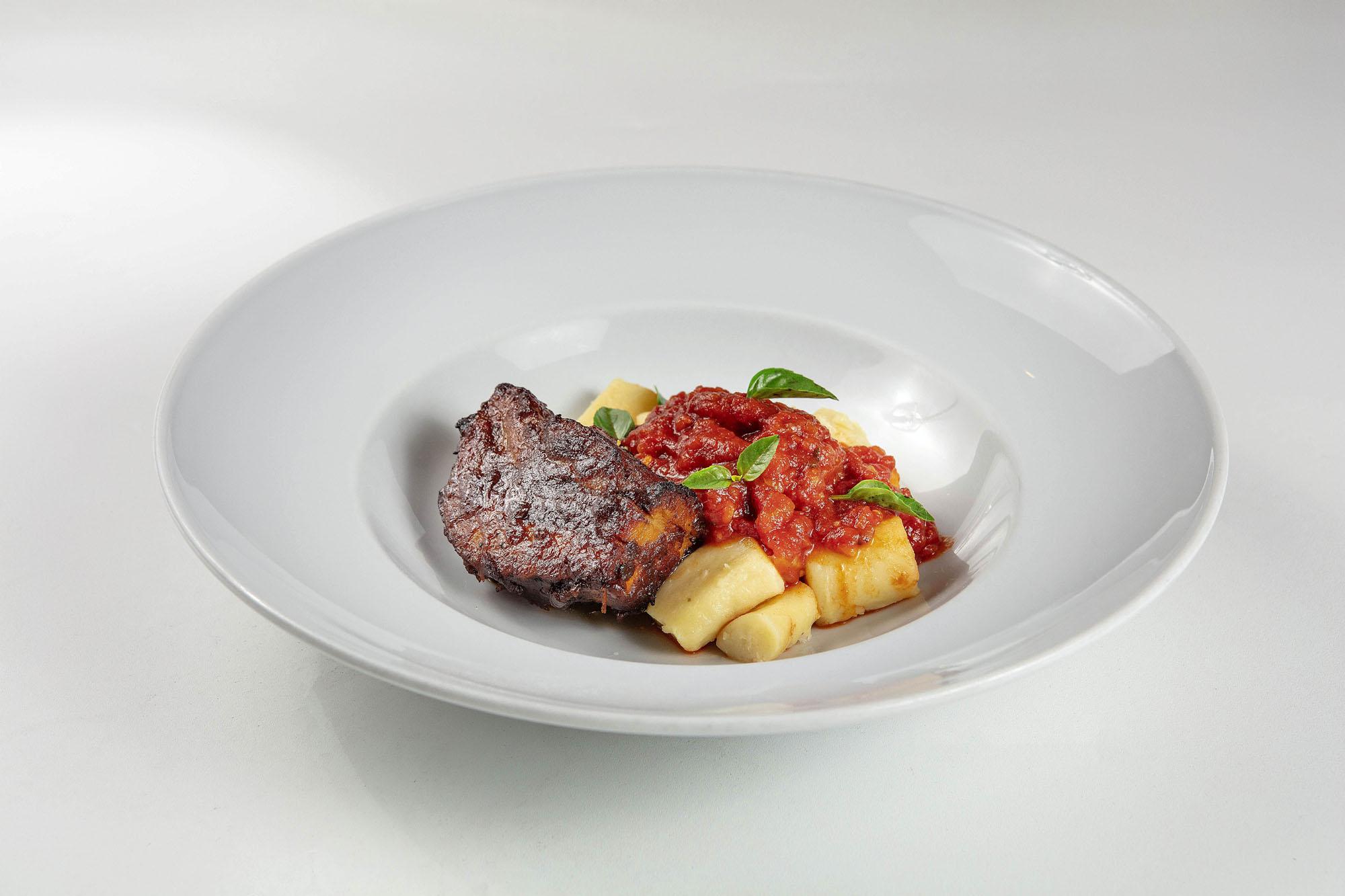 Costelinha ao Barbecue com Nhoque de Batata e Molho de Tomate Rústico - 390g