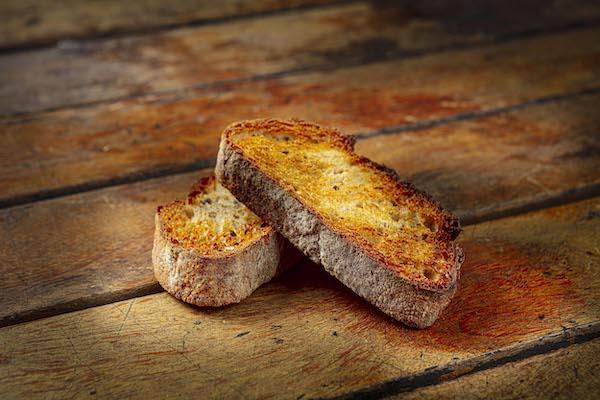 Pão Multi-grão feito com levain, 2 fatias