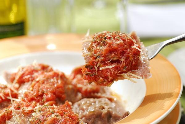 Ravioli de Carne de Panela desfiada, simplesmente fantástico, acompanha nosso molho rústico de tomate - 340g